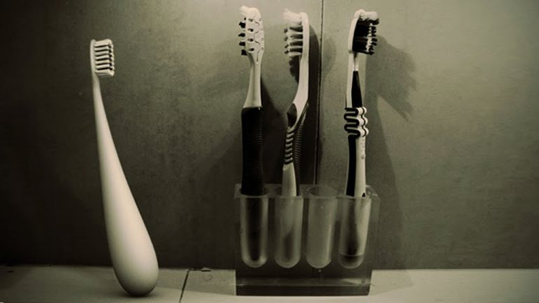 dews-toothbrush (1)
