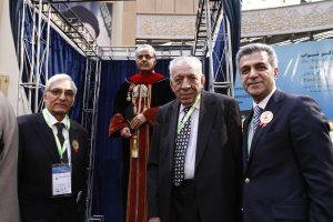 دکتر رحیمپور در کنار دکتر مصفا و دکتر مرتضوی در افتتاحیه کنگره ۵۴ انجمن دندانپزشکی ایران